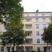 maler-wedel-hamburg-aussenarbeiten-gelbe-fassade