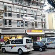 maler-wedel-hamburg-aussenarbeiten-hausfassade-mit-ladenzeile