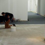 maler-wedel-hamburg-wir-bei-der-arbeit-bodenarbeiten-bild-2