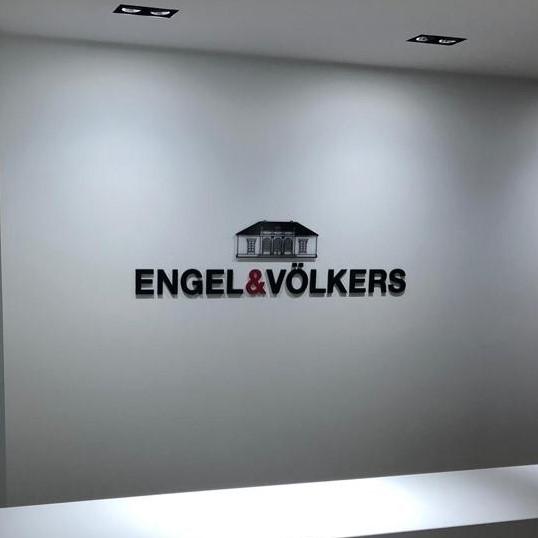Maler-für-Wedel-und-Hamburg-Innenarbeiten-Engel-Völkers-Teaser