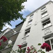 Maler-für-Wedel-und-Hamburg-Aussenarbeiten-Wohnhaus-in-Winterhude-Verzierungen