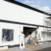 maler-wedel-hamburg-wir-bei-der-arbeit-fassade-im-teamwork